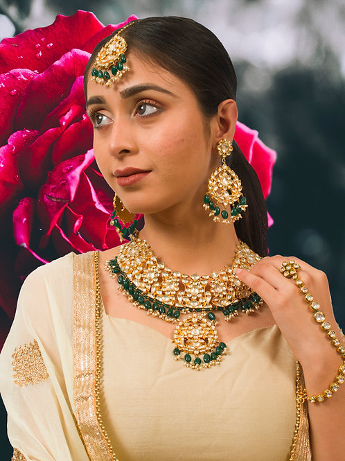 Stunning Kundan Necklace Set in Green with a matching Maangtikka