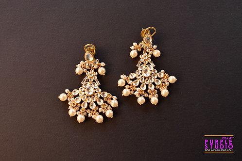 Gorgeous Sleek Golden  Kundan Chandbali