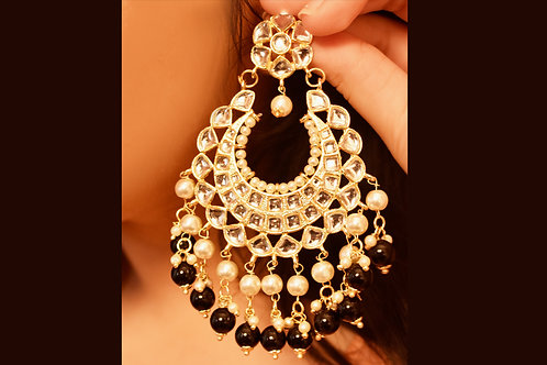 Youthful Kundan Chandbali with dark green pearl