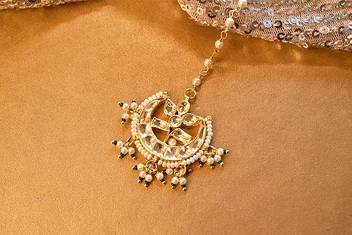 Bridesmaid Maang Tikka in Kundan and Pearls
