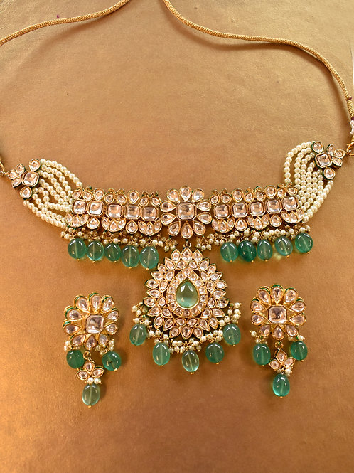 Gorgeous Golden Kundan Set in Green Beads