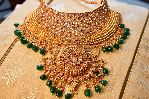 Contemporary Gold Bridal Necklace Set With All  Accessories