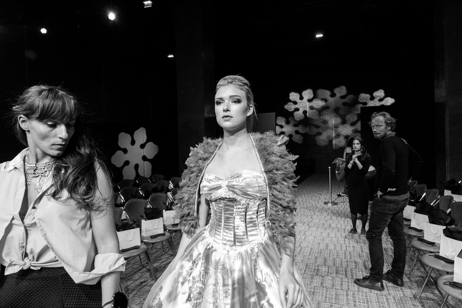 backstage blind fashion show