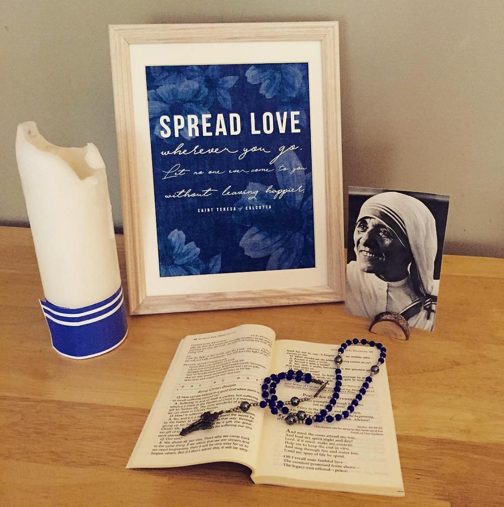 St. Teresa of Calcutta Candle Wrap