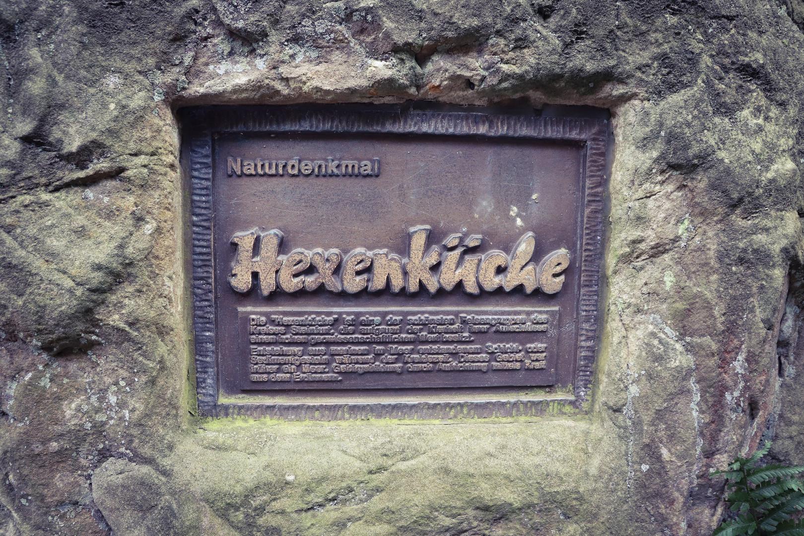 """Im Mittelalter gab es zahlreiche Legenden um diese Felsformation, die auch unter Namen """"Teufelsklippen"""" bekannt sind."""