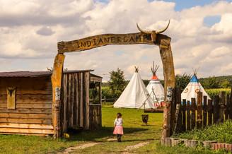 Eingang zum Tipi-Camp