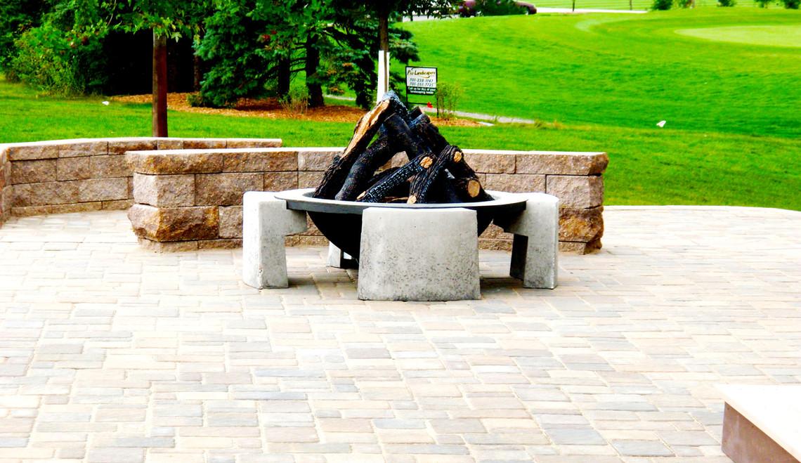 Modern Fire Pit.jpg