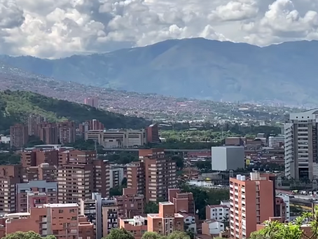 Life Abroad - An American in Medellin