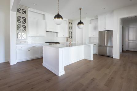 4411 B Kitchen-35.jpg