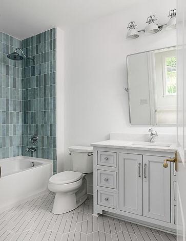 3607 Trimble Secondary Bath 2.jpg