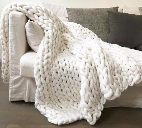 HAND KNITTED CHUNKY BLANKET