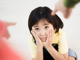 如何糾正孩子面對偷竊的行為