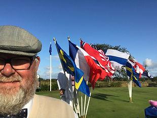 Jag med flaggor.jpg