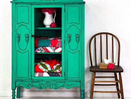 Chalk Paint™ by Annie Sloan - Inspired by Colour