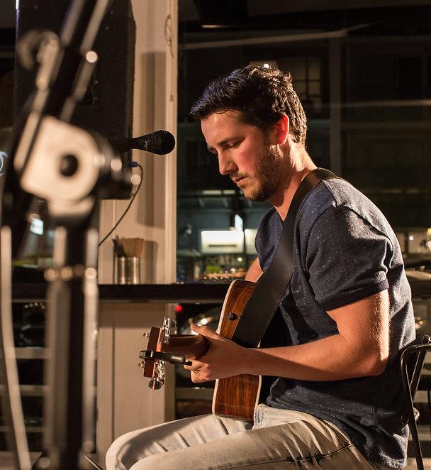 Tauranga Music | Tauranga | Tom Charleson Musician Guitarist