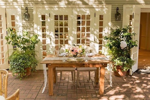 Old Country Sweetheart Table