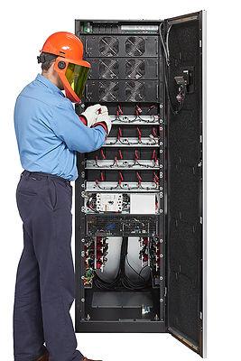 Eaton_93PM_UPS_208V_60_kW_DeadfrontOff_ServiceTech.jpg