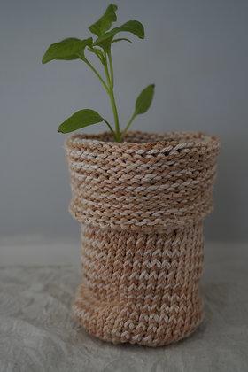 white onion fold planter
