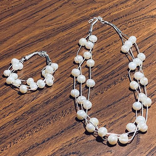 Juego Plata Líquida 3 hilos con perlas