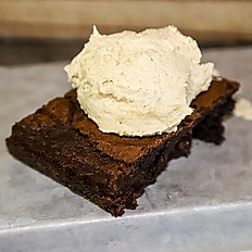Chocolate Brownie with Peanut butter buttercream