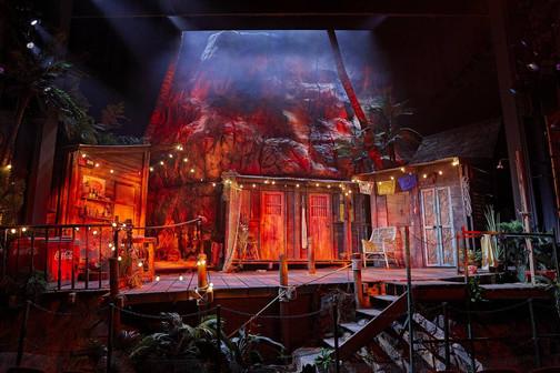 the-night-of-the-iguana-set-design-by-ra