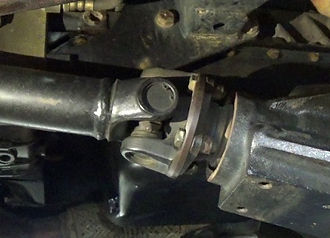 propshaft universal joint into final dri