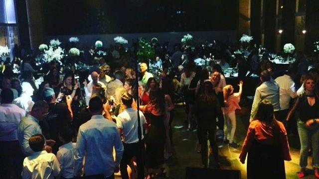 קרנבל בבר מצווה של אורי !! עם הרמיקס החדש שלי לעומר אדם - שני משוגעים. (dj PM Remix)  @tomeradamofficialetamakingmusic  @ #ברמצווה #אירוע #אירועים #remix  #djpm #dj #barmitzvah