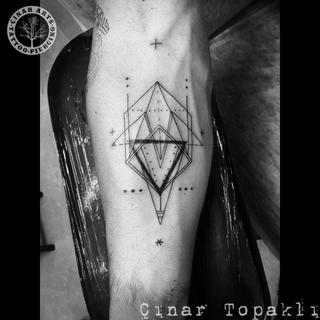 geometric_forearm_uçgen.png