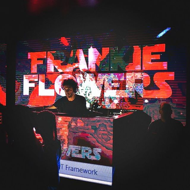 #djfrankieflowers #frankieflowers #logo #brand In action at #11clubroom #milan #midnight #party #fws