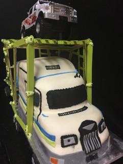 Men_Cake_18_wheeler_truck.JPG