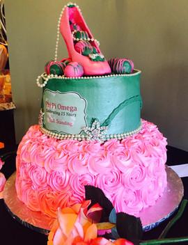 Woman_Birthday_Cake_aka_heels_rosettes.j
