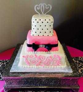 Wedding_Cake_pink_white_black_topper_qui
