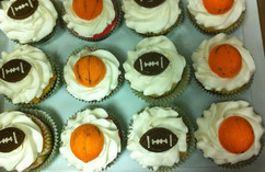 Cupcakes_sports_basketball_football.JPG
