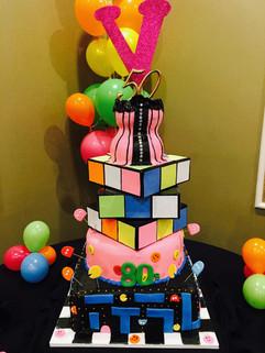 Cake_80s_theme_pacman_rubiks_cube_corset