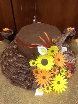 Accessories_Cake_brown_yellow_hat.JPG