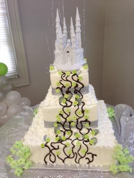 Royal_Cake_green_silver_bling_castle.jpg