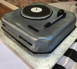 Grooms_Cake_audio_technica_record_player
