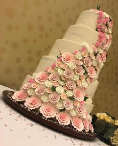 Wedding_Cake_5_tier_pink_white_roses.jpg