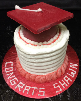 Graduation_Cake_red_white_cap.JPG