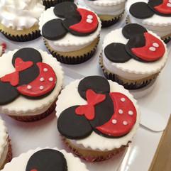 Cupcakes_Minnie_Mouse.jpg