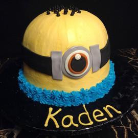 Kids_Cake_minion_head.jpg