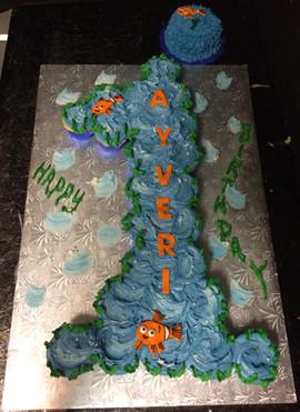 Number_Cake_1_smash_sea.JPG