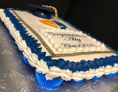 Cupcake_Cake_Graduation_cap_edible_image