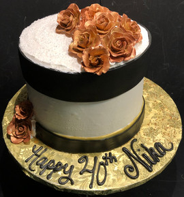 Woman_Birthday_Cake_roses_gold_black.jpg
