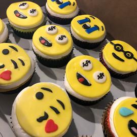 Cupcakes_emojis.jpg