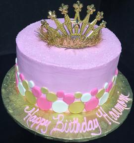 Royal_Cake_pink_gold_white_crown.jpg