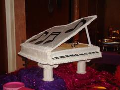 Birthday_Cake_piano.JPG