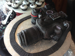 Grooms_Cake_camera_3D.JPG