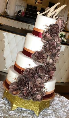 Wedding_Cake_mauve_burgundy_rose_gold.jp