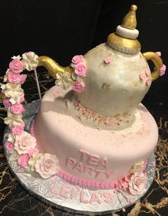 Woman_Birthday_Cake_teapot_party.jpg